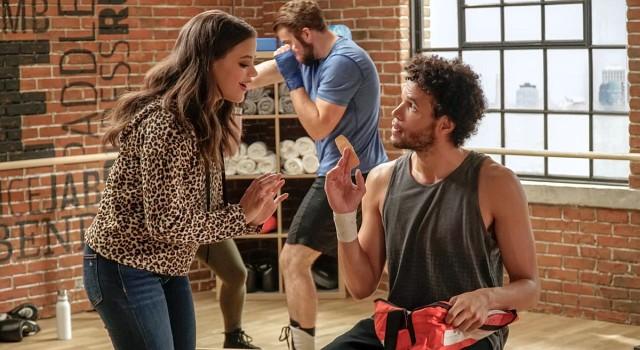 Maggie (Sarah Jeffery) trifft unter nicht ganz günstigen Umständen auf Jordan (Jordan Donica).
