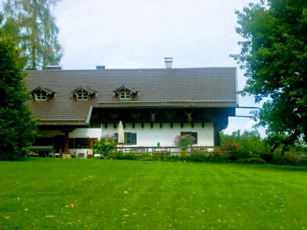 Im August 2012 besuchte der Autor das Forsthaus der Staffeln 1-17 in Dietramszell.